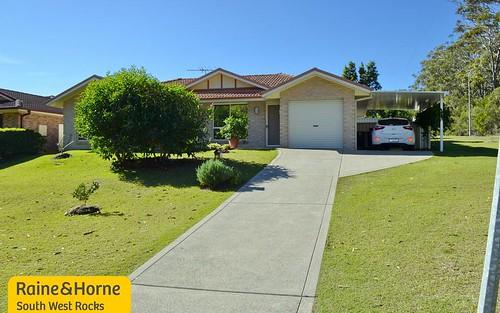 76 Bruce Field St, South West Rocks NSW