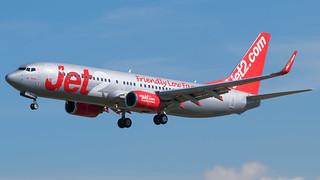 BCN - Jet2 Boeing 737-800 G-GDFX