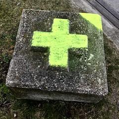 20180326 kruis (enemyke) Tags: pixeldiary maart 2018 cruz cross kruis beton betonblok