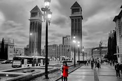 The Red Coat (Fnikos) Tags: street people park parc parco parque road building construction tower sky skyline bus vehicle light walk blackandwhite outdoor