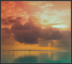 Maldives (_N@ren_) Tags: beach sand shore sun sunlight sunset dusk twilight clouds water ocean blue nature island travel atoll turquoise colorful perfect gorgeuous tropical