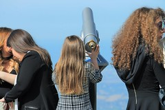 (N I C K ....1 8 2 8) Tags: cannocchiale telescope telescopio ragazza girl donna woman sky