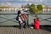 Les accordeonistes du Pont des Arts (Calinore) Tags: france paris city ville accordeon musique accordéoniste parisien pont bridge pontdesarts street rue fleuve river seine people everydaylife music