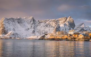 Daybreak at Sakrisøy_