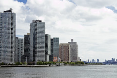 r_180521081_beat0042_a (Mitch Waxman) Tags: eastrivershoreline longislandcity rooseveltisland newyork