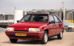 Citroën BX 19 TRS Automatic (Skylark92) Tags: nederland nehterlands holland zuidholland southholland vlaardingen haven harbour citroen bx photoshoot tonemapped citroën 19 trs automatic tf40zr 1988 car road