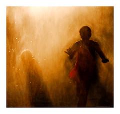 La robe rouge (Marie Hacene) Tags: parisplage paris quai seine robe rouge ambiance silhouette ombre