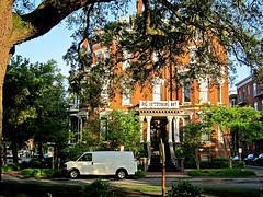 photo - Kehoe House, Savannah (Jassy-50) Tags: photo savannah georgia kehoehouse kehoehouseinn kehoehousebb inn bb hotel building architecture historic columbiasquare square plaza piazza