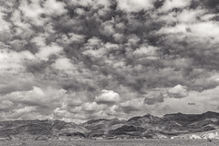 20180314_Death_Valley_036 (petamini_pix) Tags: california deathvalley desert deathvalleynationalpark landscape clouds sky dramaticsky bigsky grapevinemountains northhighway hills mountains blackandwhite blackwhite bw monochrome grayscale