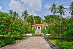 Fort Canning Flagstaff in Singapore (UweBKK (α 77 on )) Tags: fort canning flagstaff park garden trees singapore southeast asia sony alpha 77 slt dslr