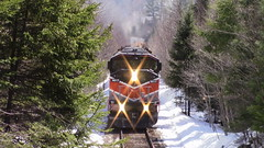 Job 1 Coming Up On Tarratine (MaineTrainChaser) Tags: trains train cmq west westbound job1 moosehead sub sd402f gp383