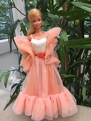 Barbie Peaches 'n' Cream from 1985 #barbie #Barbie80s #BarbieCollector #ToysOfThe80s #Toy #BarbieDolls #BarbieFashion #BarbieSignature #BarbieCollection #Dolls #DollCollector #Beautiful #Beauty #Pretty #BarbieGlamour (teresabenson) Tags: barbie barbie80s barbiecollector toysofthe80s toy barbiedolls barbiefashion barbiesignature barbiecollection dolls dollcollector beautiful beauty pretty barbieglamour