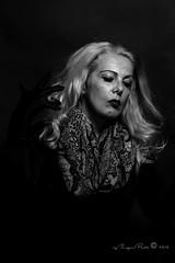 Marlene Dietrich-284-2 (Adriana.Britto) Tags: ensaio retrato portrait foto photo fotografia photography loira blonde blond model mature blackwhite blackandwhite pb pbr pretoebranco people art