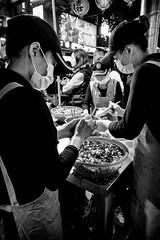 Filling (GavinZ) Tags: asia street taipei taiwan travel bw bnw blackandwhite night nightmarket food cook people cooking buns 鐃河夜市 夜市