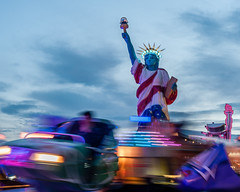 Live's a blast. Believe me. (auqanaj) Tags: statueofliberty dult kirmes fair blauestunde bluehour us usa lights afnikkor50mm114d d700 maketheworldgoround