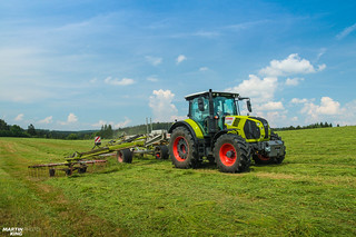 Swathing Grass | CLAAS