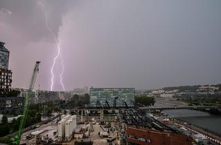 The lightning ⚡