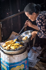 Hoi An - The Bakers Wife (Gilama Mill) Tags: asia landscapes people travel vietnam water cook cooking fry frying cake pancake pastry hoi an bake baking food lady bean