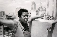 (luizavidotto) Tags: brasil sp centro república sesc 24 maio menna girl mulher black magic óculos pensamento skyline luz sol edifícios