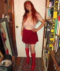 20170617 2011 - party outfits - Carolyn - pink & red - 07112007 (Clio CJS) Tags: 20170617 201706 2017 virginia alexandria clioandcarolynshouse hallway party party20170617 party20170617partykink partypartykink20170617 standing posing carolyn