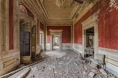 (Kollaps3n) Tags: abandoned abbandono decay urbex abandonedplaces urbanexploration nikon