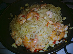 prawnucopia aglio olio (n.a.) Tags: prawns shell spaghetti garlic chillies olive oil food italian gamberi