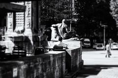 Rücksicht *g (michael_hamburg69) Tags: hamburg germany deutschland city people mönckebergbrunnen monochrome sculpture brunnen fountain