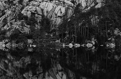 Crosica (happy.apple) Tags: portovecchio corse france fr corsica korzika lake bw reflection