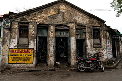 construction from the British Raj era. Presently Bike repair shop. Kolkata, India (Siddiqui, sayeed) Tags: architecture old colonial construction kolkata india