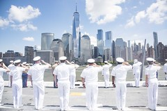 180523-N-OS569-173 (FleetWeekNewYork) Tags: nyfw navy newyorkfleetweek marine marines sailors ship ussarlington lpd24 lpd underway uso fwny2018 newyork ny