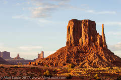 20090601 Monument Valley 087.jpg (Alan Louie - www.alanlouie.com) Tags: monumentvalley featuredlandscapes landscape arizona oljatomonumentvalley unitedstates us ussouthwest