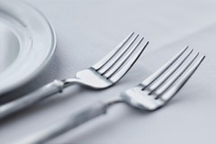 Stock Images (perfectionistreviews) Tags: closeup copyspace cropped dining diningtable dinner dinnerware elegance finedining flatware food fork horizontal indoors linen nobody placesetting restaurant selectivefocus silverware softfocus stilllife table tablesetting tables tableware utensils white color photograph foodanddrink