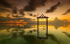 Swing lovers (marcolemos71) Tags: seascape water reflection sky clouds sunset dusk swing longexposure leefilters gilitrawangan lombok indonésia marcolemos