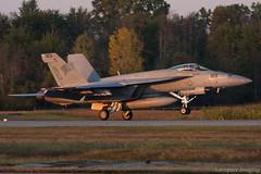 168484 (Aerospace Imaging) Tags: 168484 unitedstatesnavy usn camelot vfa14 tophatters f18 hornet airshowlondon hourofpower cyxu yxu londoninternationalairport sunset