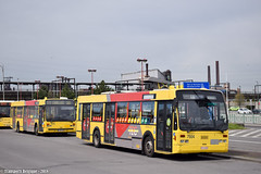 Charleroi Sud 7664 + 7272 (Transports Belgique) Tags: bus à films vanhool a5002 tec charleroi 1998 caterpillar old ancien vh