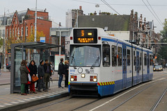 910, Museumplein, Amsterdam, October 19th 2015 (Southsea_Matt) Tags: 910 route5 serie11g museumplein amsterdam thenetherlands holland autumn 2015 october canon 60d sigma 1850mm gvb tram lightrail publictransport passengertravel vehicle railway train railroad