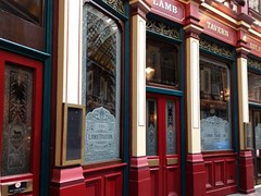 The Lamb Tavern, Leadenhall Market (photo by Valerie Schreiner)