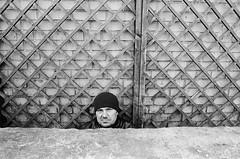 Olympus OM-1 / Ilford HP5 (nedoKunst) Tags: streetphoto streetphotography street moscow film filmphotography ilford ilfordhp5 om1 olympusom1 analog analogphotography 35mm everybodystreet zuiko