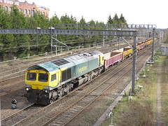 66416 on 14:08 Crewe Bas Hall S.S.M. - Miles Platting at Heaton Norris Stockport 30/03/2018 (37686) Tags: 66416 1408 crewe bas hall ssm miles platting heaton norris stockport 30032018