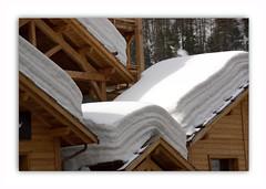 Comment mettre les draps de lit à sêcher pour éviter le repassage . . . enfin je crois ! ? ! ? (nickylechatreux) Tags: bois blanc montagne neige alpes vacances village