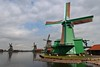 Green (Rob Oo) Tags: northholland netherlands holland nederland thenetherlands zaanseschans ro016b windmill landscape architecture