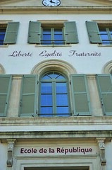 ECOLE DE LA REPUBLIQUE (cfdtfep) Tags: cole scolarit rpublique lacit faade fronton btiment construction difice devise galit fraternit libert heure horloge france