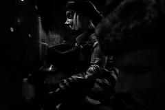 """Einchecken  (""""ob Früher wirklich alles besser war... ?"""") (Roger Armutat) Tags: auswandern titanic auswandererhaus norddeutschland 1912 bremerhaven museum sony eisberg damals"""