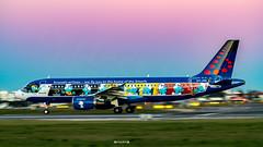Aerosmurf - OO-SND Brussels Airlines Airbus A320-200 (José M. F. Almeida) Tags: lisboa lisbon lppt lis aircrafts airport night panning oosnd brussels airlines airbus a320200 the smurfs livery aerosmurf d850 nikon