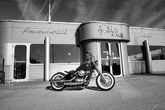 On the road (Jan Moons) Tags: diner 50s fifties retro restaurant motorcycle vulcan kawasaki vn vn800 bobber custom custombike bike nikon d600 nikond600 tamron 247028 wideangle blackandwhite blacknwhite blackwhite