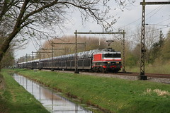 Captrain 1618 met PSA autotrein (Harrys Train photos) Tags: captrain ct1618 ct 1618 autotrein autozug railway railroad eisenbahn zug trein train cargo cartrain psa gefco