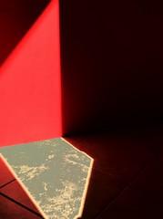 Oddities (marcus.greco) Tags: oddities light red shadow minimal