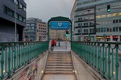 U-Bahnhof Rosa-Luxemburg-Platz - HDR (Pascal Volk) Tags: berlin mitte rosaluxemburgstrase berlinmitte wideangle weitwinkel granangular superwideangle superweitwinkel ultrawideangle ultraweitwinkel ww wa sww swa uww uwa sommer summer verano ubahnstation ubahnhaltestelle ubf ubhf uhst ubahn metrostation subwaystation railwaystation rapidtransit metro underground subway berlinubahn platform bahnhof bvg untergrundbahn undergroundrailway berlinerverkehrsbetriebe vbb metrosystem altorangodinámico highdynamicrangeimage hdr hdri hdraddicted canonpowershotg1xmarkiii 15mm dxophotolab dxohdrefexpro nikcollection valla zaun fence fencedfriday
