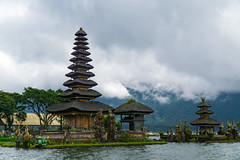 20180325DSC05002 (mchlphlmnn) Tags: indonesien bali temple tempel lake see pagoda