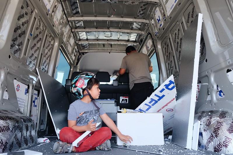 Sprinter 4x4 Camper van build : day 4